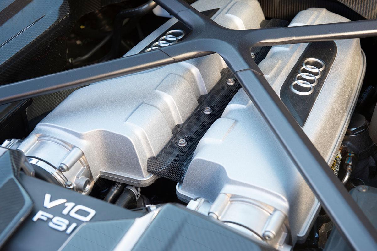 AUDI R8 Motor V10